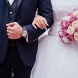 Inspirujące upominki na ślub dla pary młodej