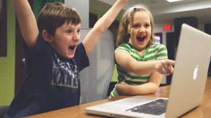 Czy warto uczyć się angielskiego poprzez kurs online?